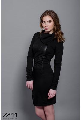 Сукня чорна з аплікацією