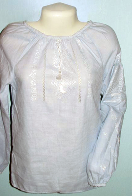 Вишиванка жіноча (ручна вишивка) 2