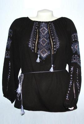 Вишиванка жіноча чорна (ручна вишивка)